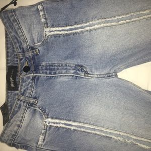 69e062f9fdc Denim wash with a really nice detail!